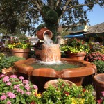 TrenD Report - Mickey Topiary Fountain