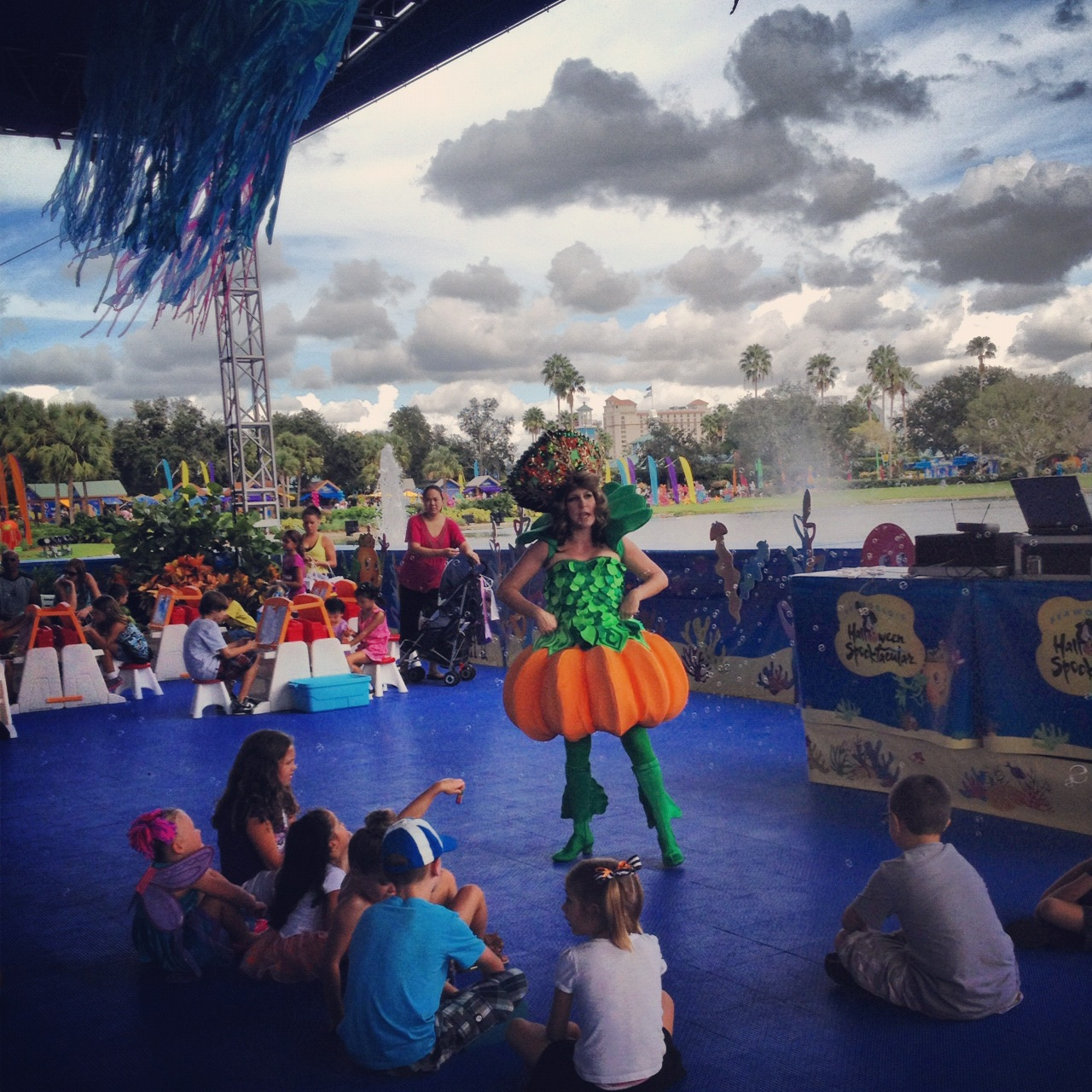 SeaWorld Orlando Halloween Spooktacular Storytelling at Penelope's Party Zone