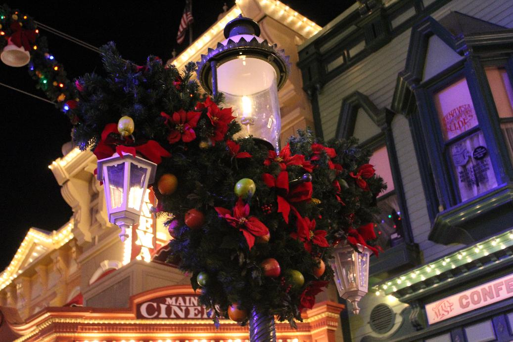 Mickey's Very Merry Christmas Party Returns Friday
