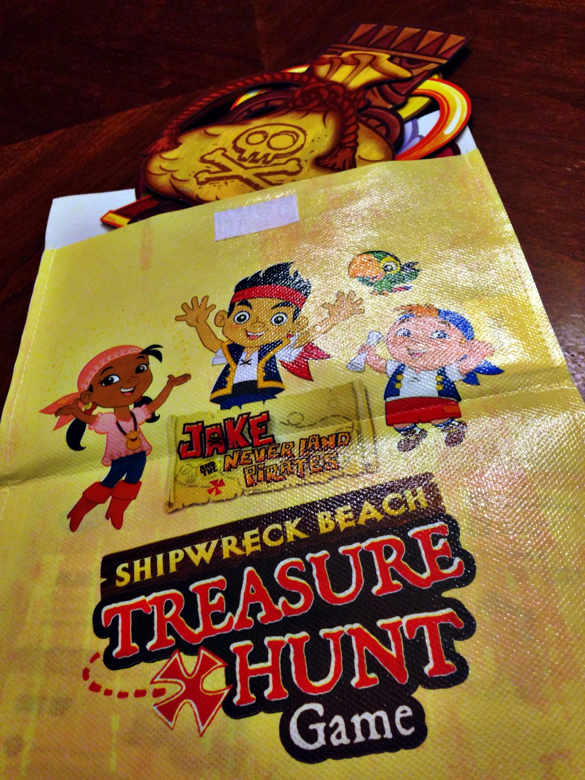 Jake and the Neverland Pirates Shipwreck Beach Treasure Hunt