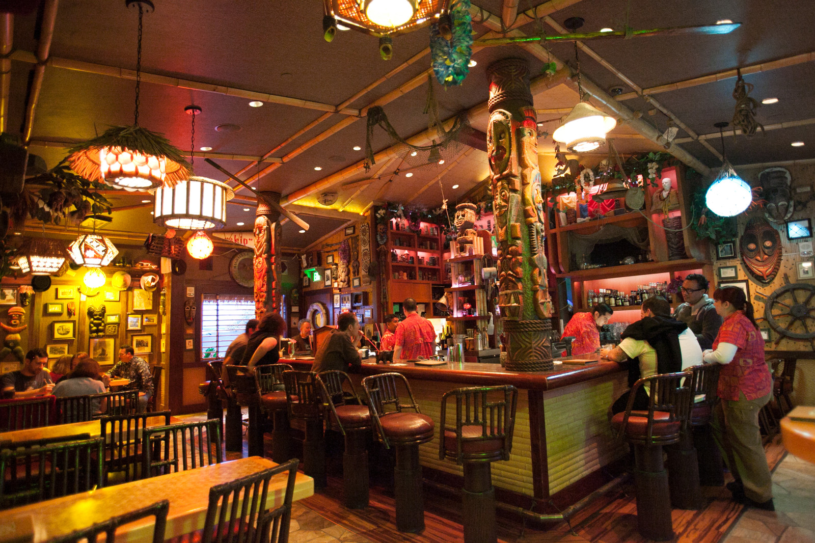 A Visit To Trader Sams Enchanted Tiki Bar On The Go In MCO