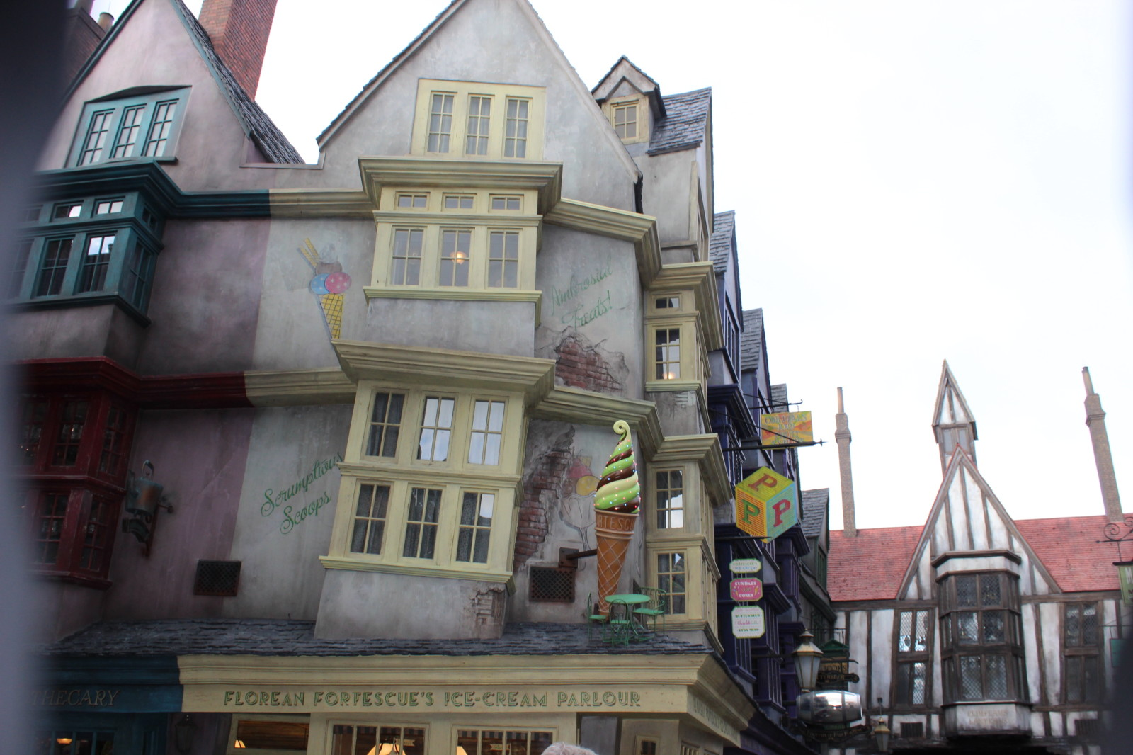 Diagon Alley Introduction - Florean Fortescue's Universal Orlando