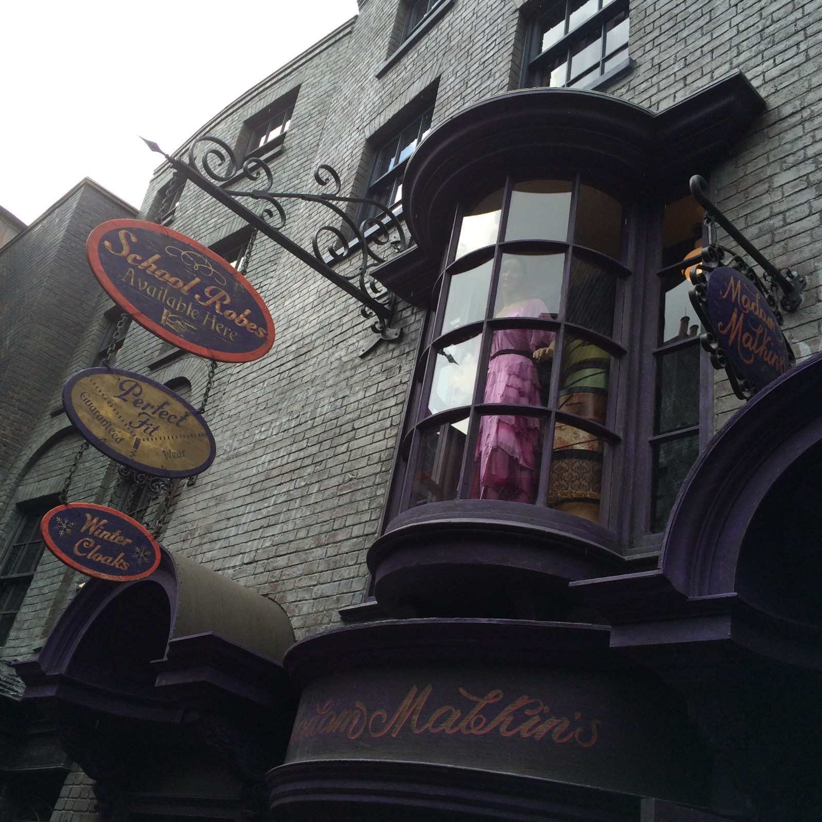 Diagon Alley Introduction - Madame Malkins Universal Orlando