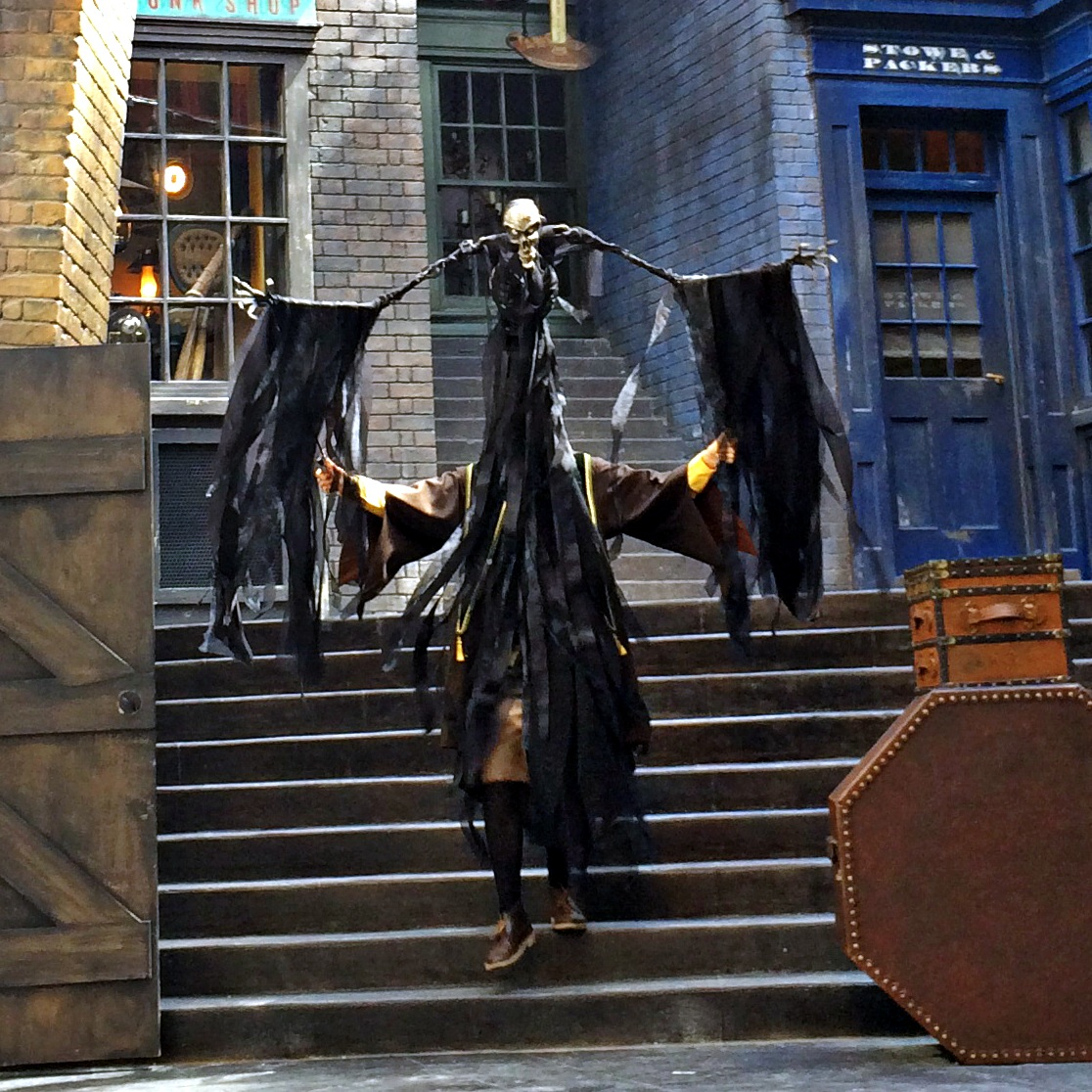 Diagon Alley The Tale of the Three Brothers -