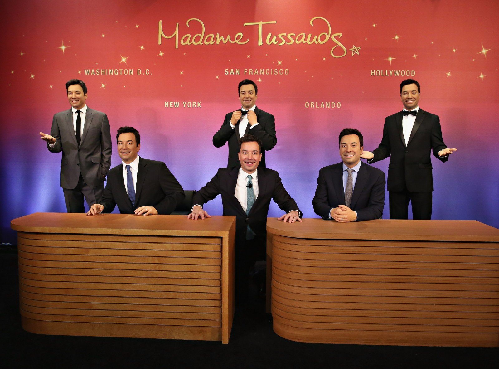 Jimmy Fallon meets his brand new figure for Madame Tussauds Orlando. Photos courtesy of Madame Tussauds