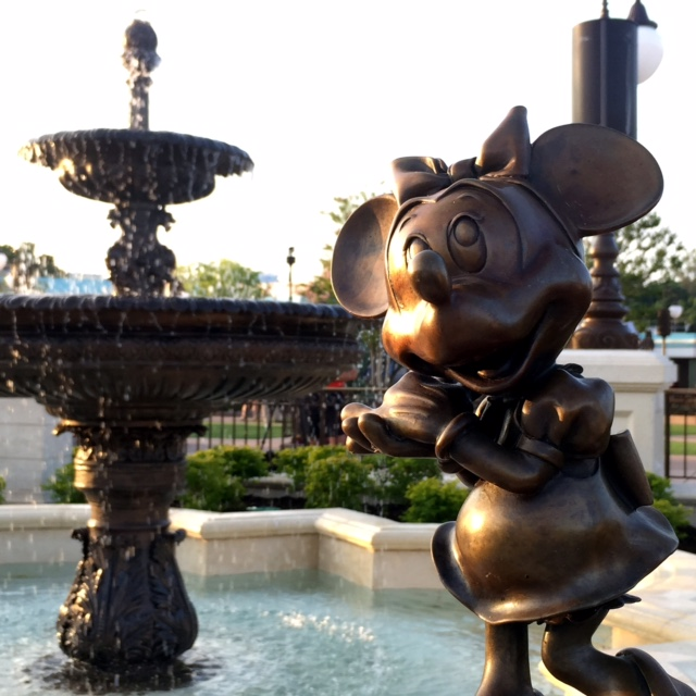 Wordless Wednesday Magic Kingdom Minnie Mouse
