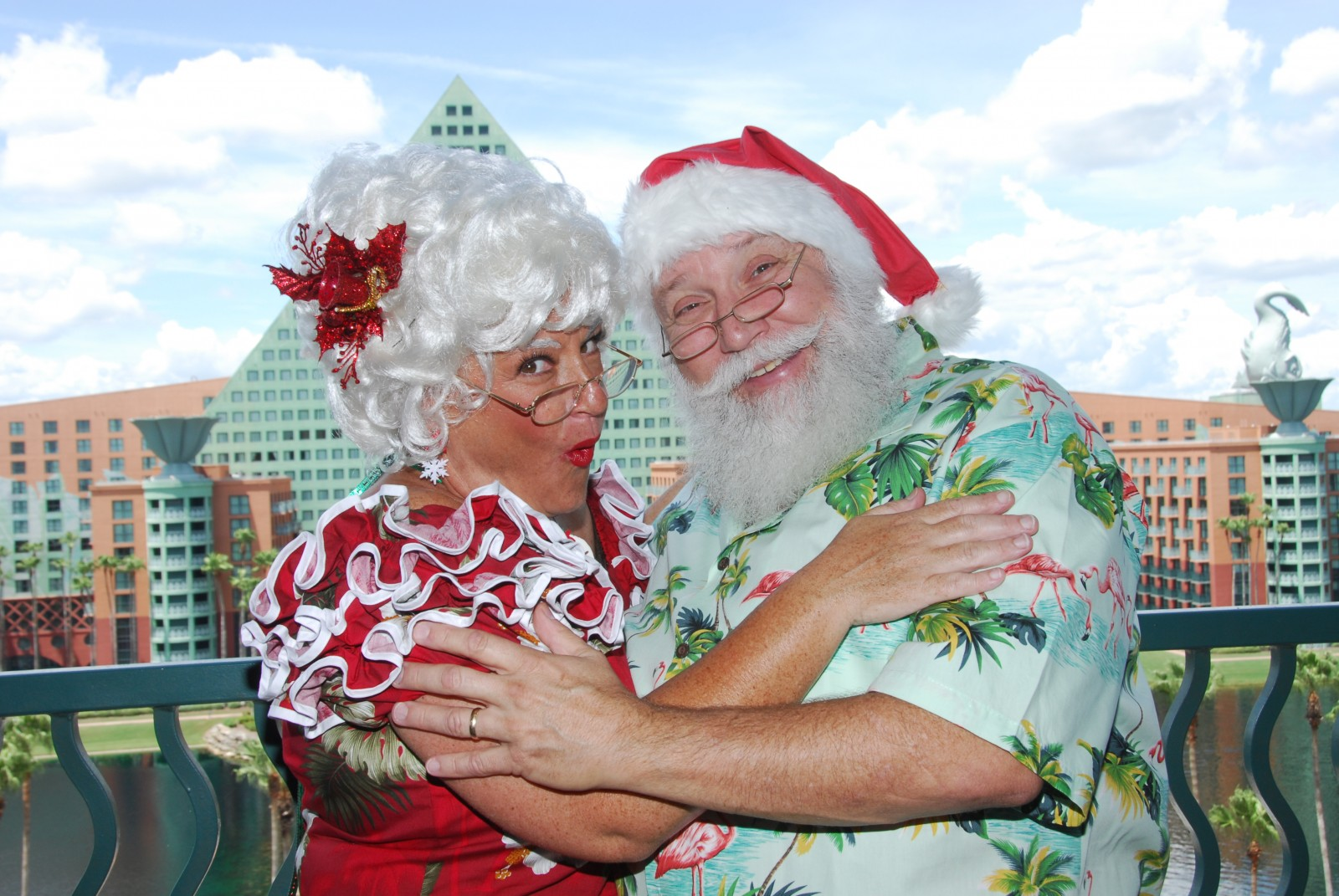Walt Disney World Swan and Dolphin Hotel Christmas Santa and Mrs. Claus on the balcony
