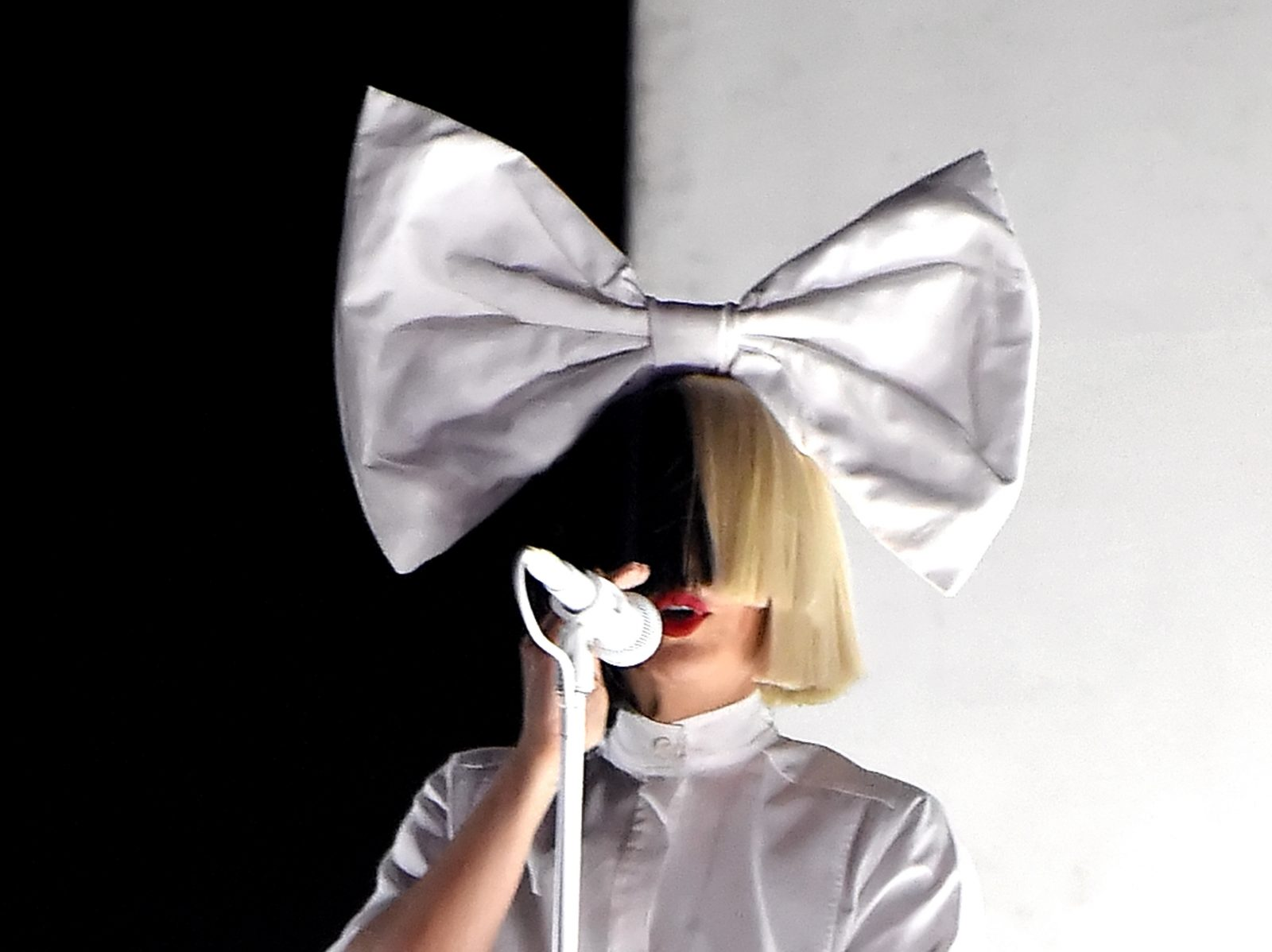 Sia Nostalgic for the Present Tour Amway