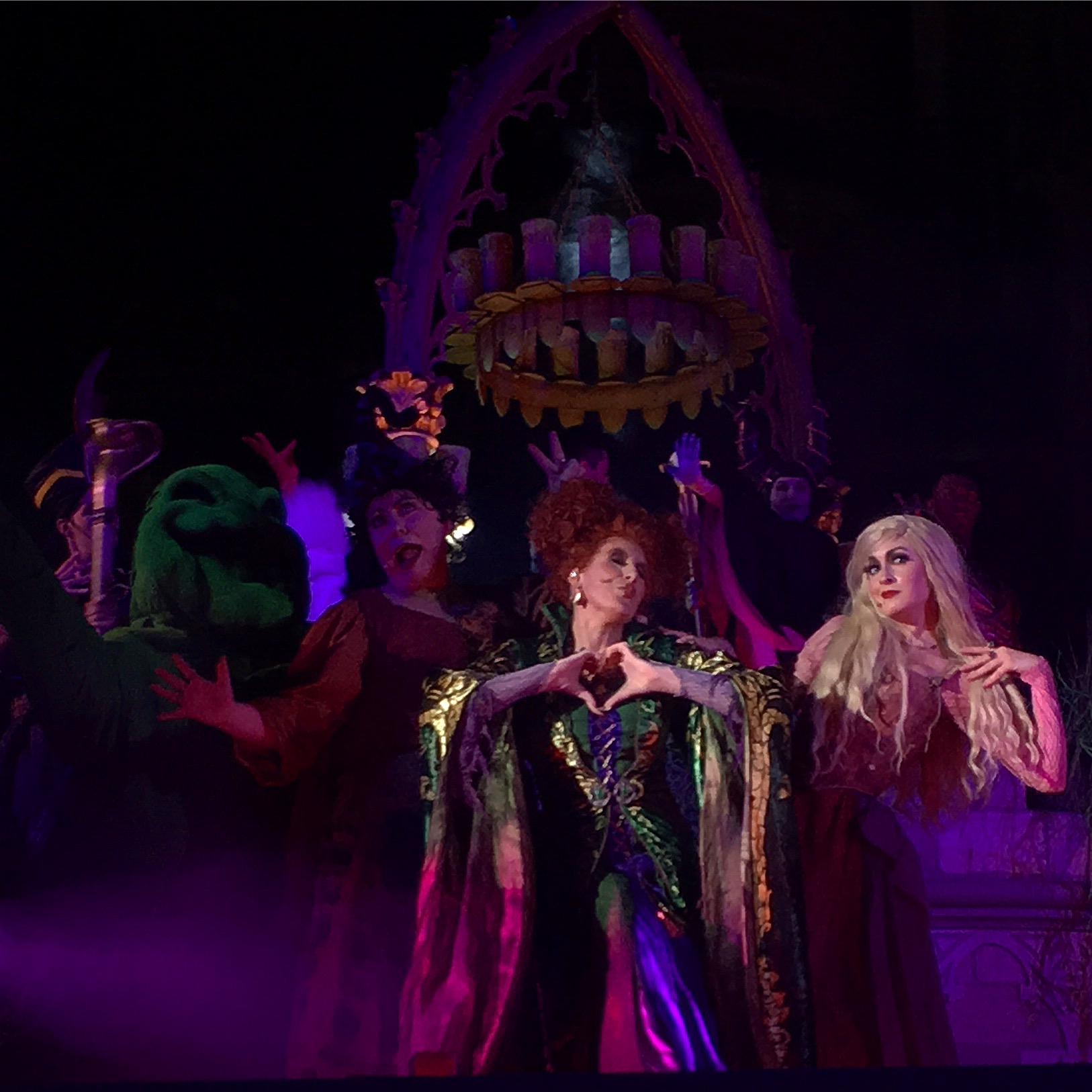Mickey's Not So Scary Halloween 2016 Hocus Pocus Villain Spelltacular