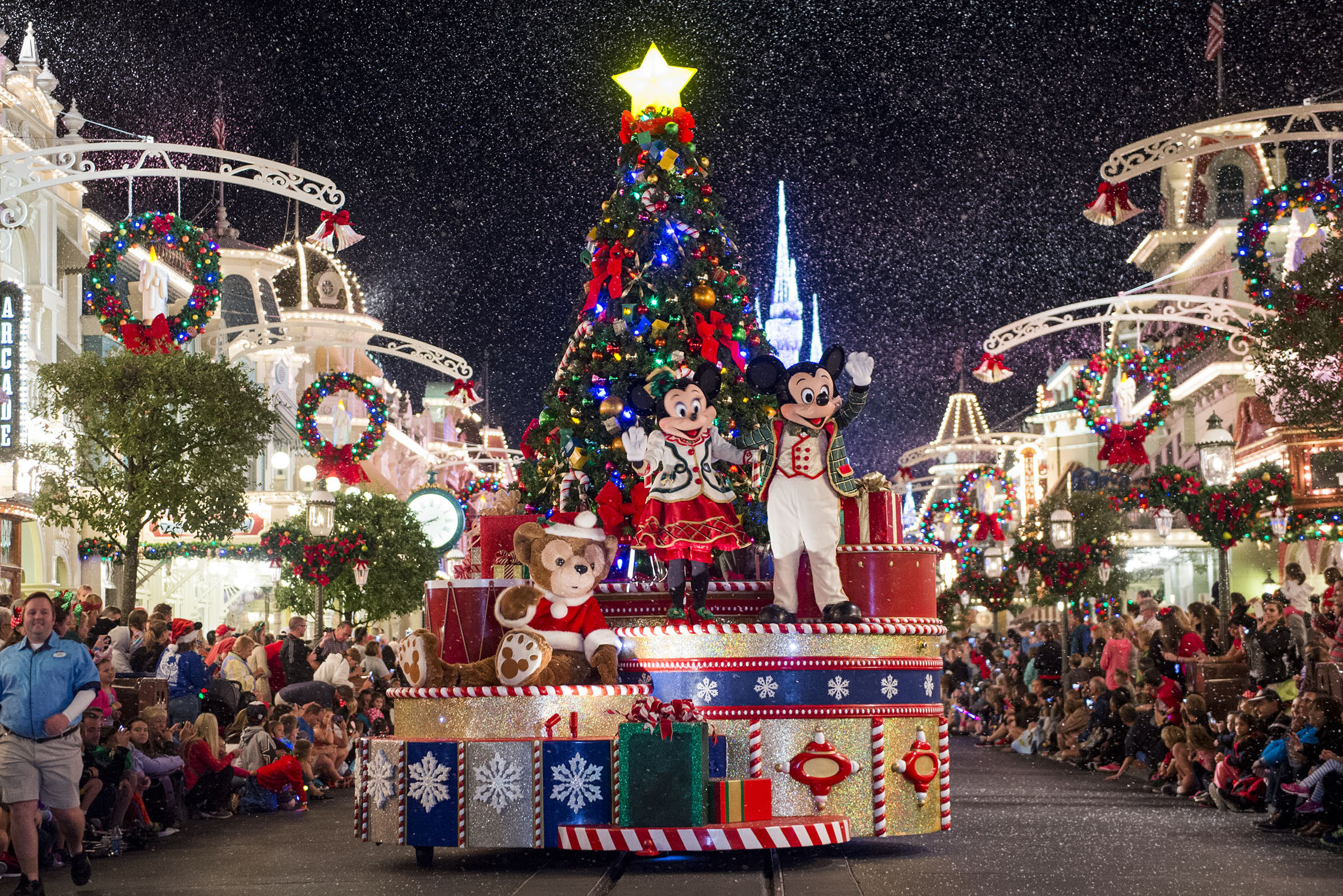 November at walt disney world on the go in mco for Best christmas vacation ideas