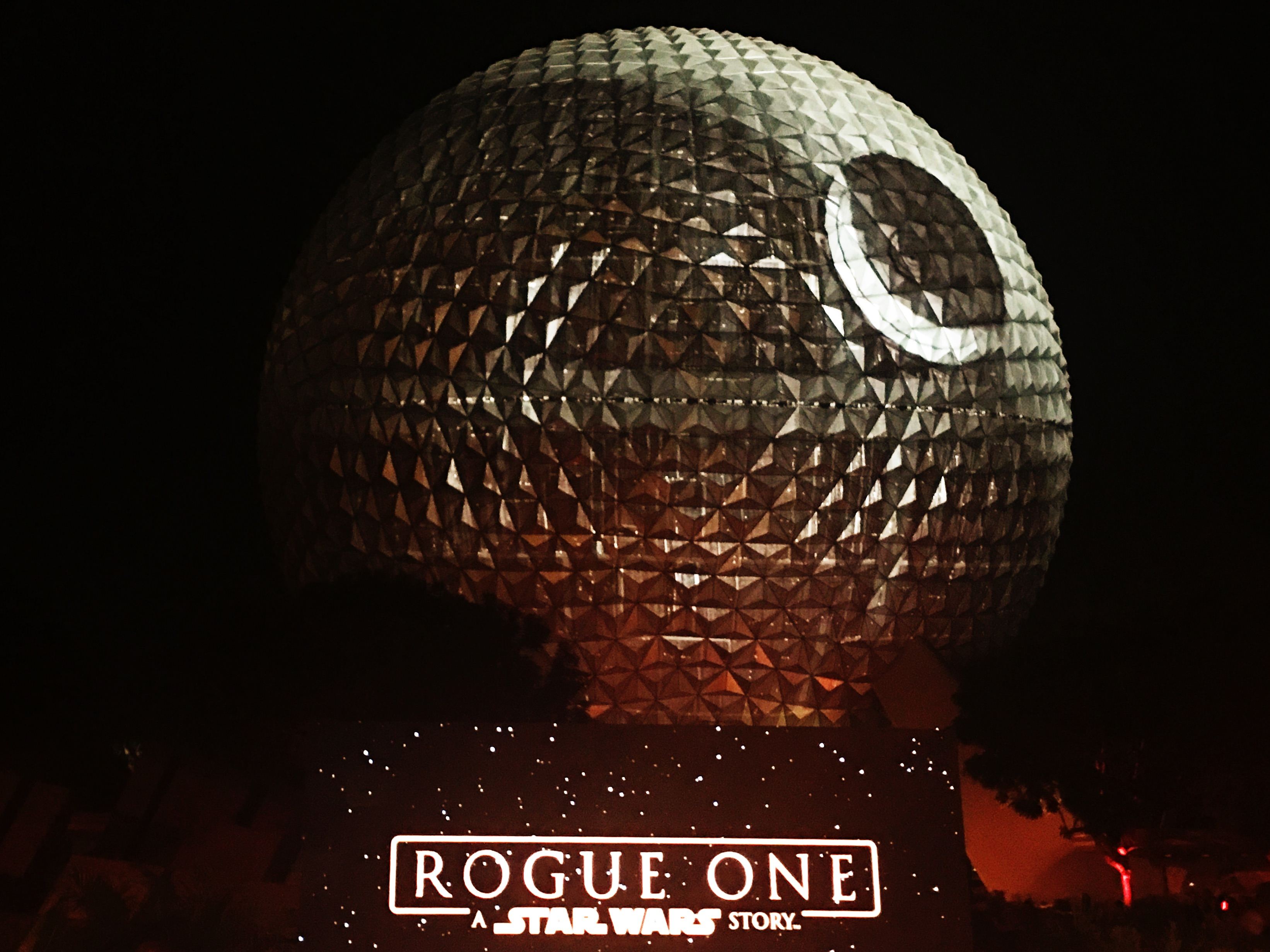 Rogue One: A Star Wars Story - Spaceship Earth Death Star