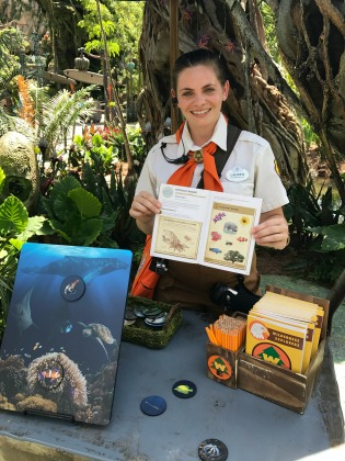 Experiencing Pandora The World of Avatar - Wilderness Explorers Badges - Cast Member with handbook