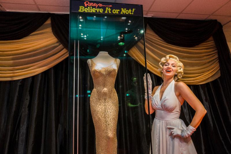 Ripleys Ripley's Orlando Odditorium Marilyn Monroe dress 2017