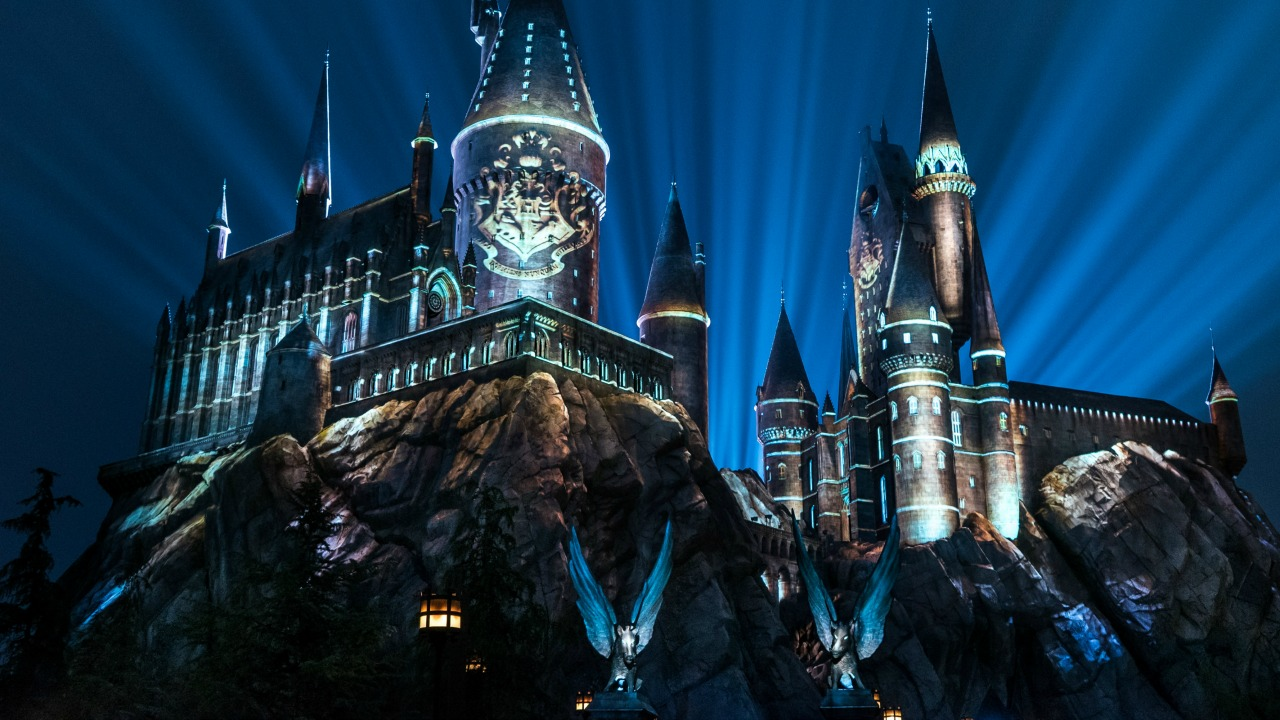 The Nighttime Lights at Hogwarts Castle Harry Potter Wizarding World of Harry Potter Universal's Islands of Adventure Hogsmeade Universal Orlando Resort
