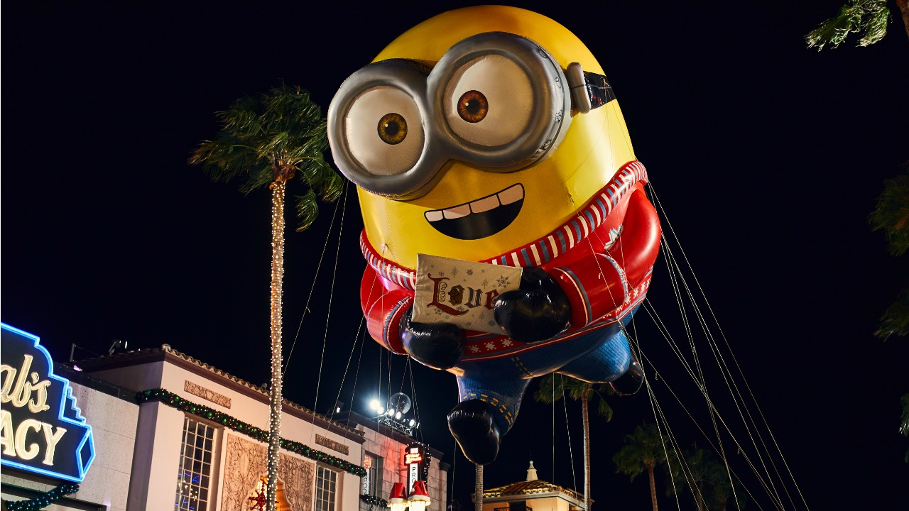 November 2018 Theme Park Events - Universal Studios Florida Universal Orlando Resort Universal's Macy's Holiday Parade Minion Despicable Me