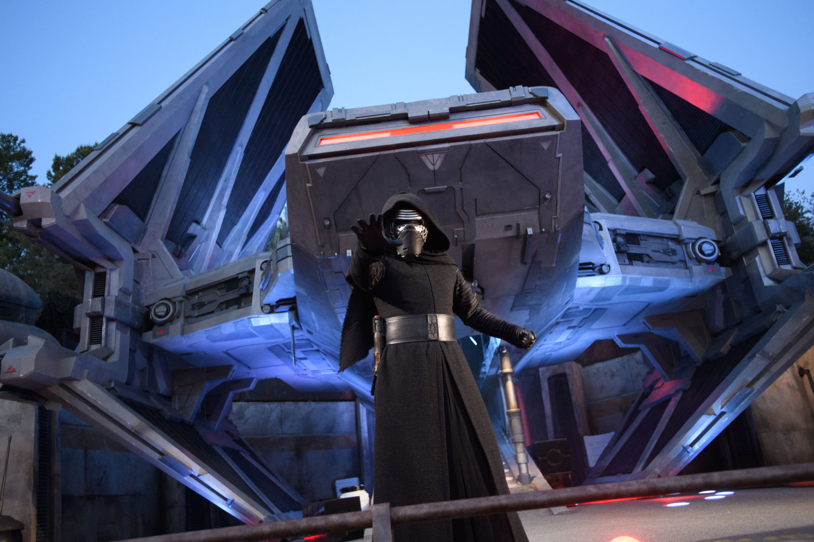 Star Wars: Galaxy's Edge Batuu Disney's Hollywood Studios Kylo Ren