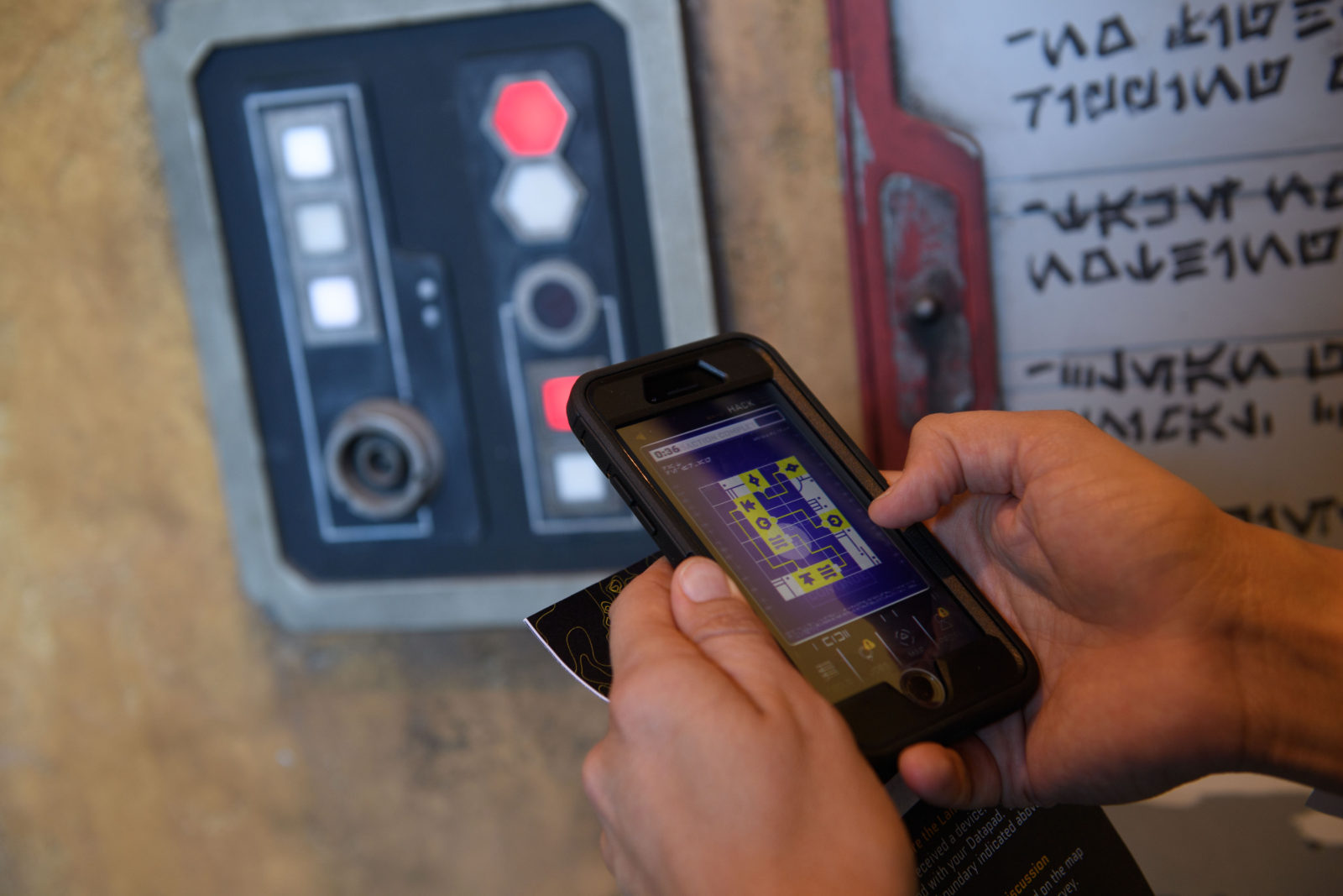 Star Wars: Galaxy's Edge Batuu Disney's Hollywood Studios Play Disney Parks App