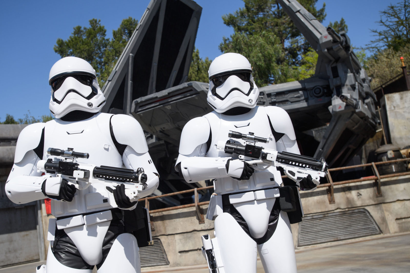 Star Wars: Galaxy's Edge Batuu Disney's Hollywood Studios Stormtroopers