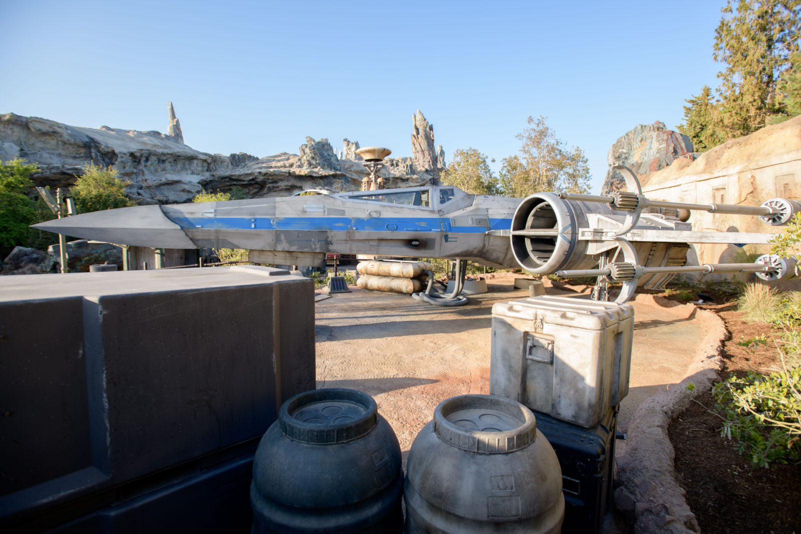 Star Wars: Galaxy's Edge Batuu Disney's Hollywood Studios x wing