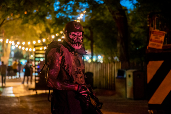 Busch Gardens Tampa Bay Howl-O-Scream 2020 on the go in the parks