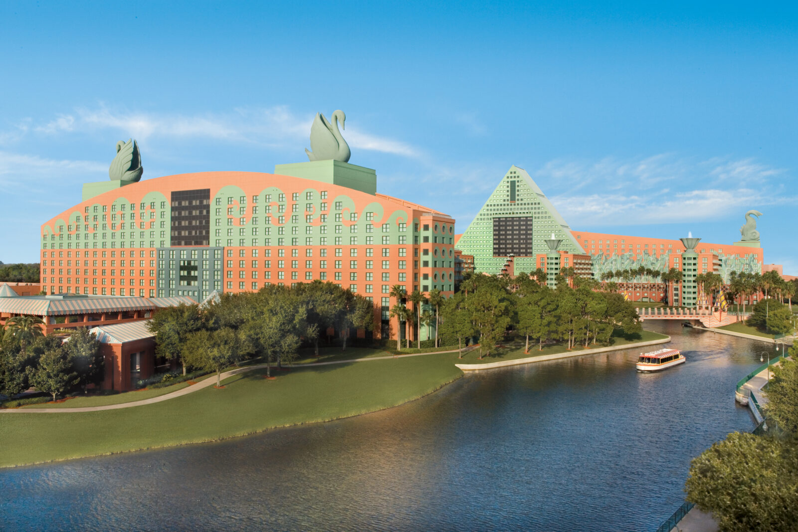 Sip, Savor and Stay Saturdays Walt Disney World Swan and Dolphin Hotel Fall 2020 September 2020 October 2020