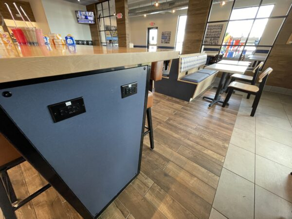 White Castle Orlando Charging Tables